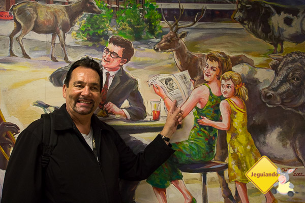 Bruce Bell, da Bruce Bell Tours, nosso guia em Downtown Toronto. Imagem: Erik Araújo