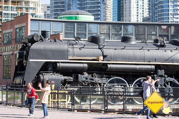 Ao lado da Steam Whistle Brewing, um museu de trens a céu aberto. Imagem: Erik Araújo