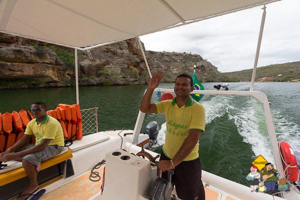 Trocamos a muvuca do catamarã por um passeio de lancha, por uma diferença pequena de valor. Imagem: Erik Araújo