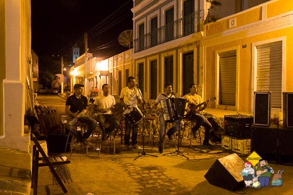 Grupo de forró animando a noite em Piranhas. Imagem: Janaína Calaça