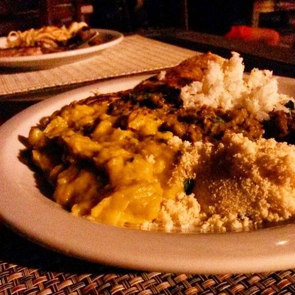 Comida baiana na Noite Afro. Imagem: Erik Araújo