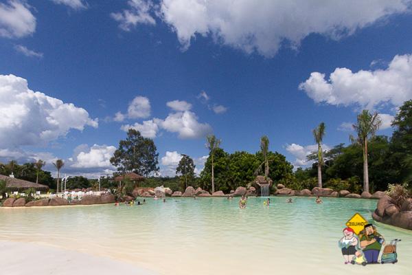 Praia termal do Mabu Thermas Grand Resort. Imagem: Erik Araújo