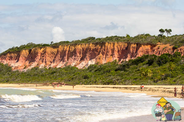 As falésias avistadas por Cabral. Imagem: Erik Araújo