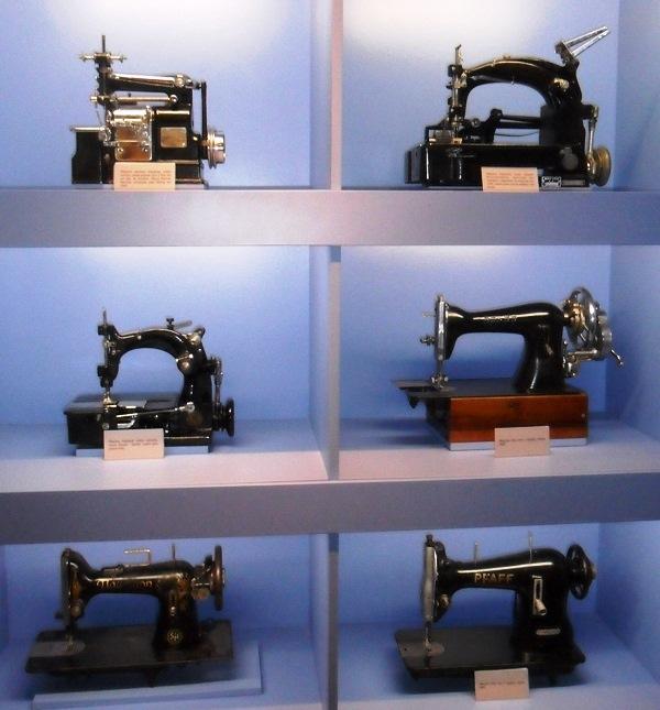Máquinas de costura. Imagem: Lorena Grisi