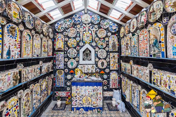 Mosaicos dos artistas Ângelo Milani e de sua esposa Cláudia Villar Marques de Sá. São Bento do Sapucaí. Imagem: Erik Araújo