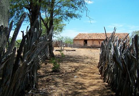 A velha casa ainda está lá. Imagem: Fábio Brito (Arquivo Jeguiando)