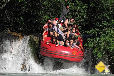 Nosso grupo descendo a cachoeira do Rio Formoso. Imagens cedidas: Ronaldo Saltiva.