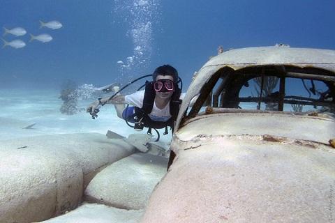 Luis Filipe Gaspar. Mergulho Cessna 310, Ilha Providence, Bahamas.
