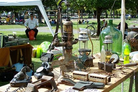 """Antiguidades. Mercado Retrô """"La Huella"""". Rosário, Argentina. Imagem: Fábio Brito (Arquivo Jeguiando)"""