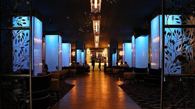 O recém-inaugurado Bar do Copa tem pista de dança, excelentes drinks e atrai a alta sociedade carioca. Imagem: Divulgação